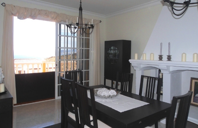 tabaiba nahe santa cruz auf teneriffa 6 zimmer villa mit doppelgarage. Black Bedroom Furniture Sets. Home Design Ideas
