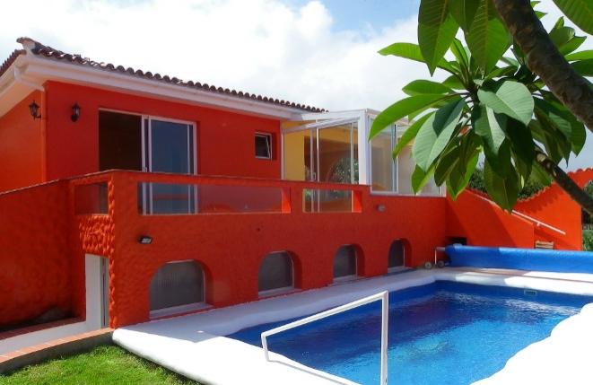 Villa in elegantem Design mit viel Licht, Pool und exklusivem Meer- und Teideblick