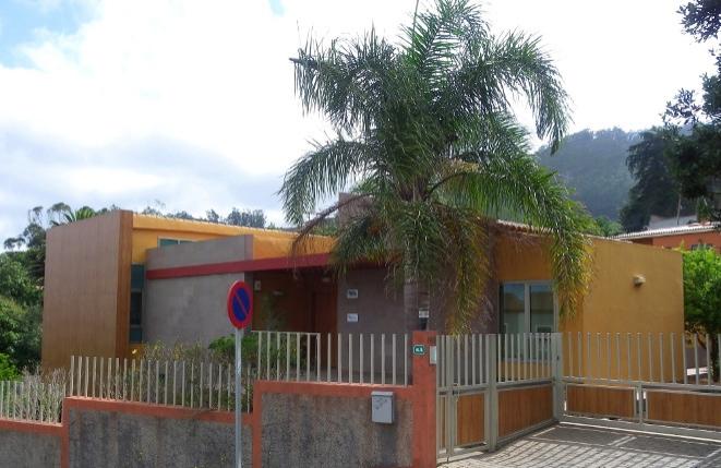 Moderne großzügige Villa oder Geschäftshaus in schöner zentraler Lage bei Tegueste