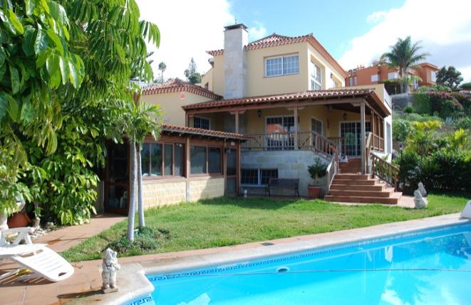 Große Villa in exklusivem Design mit Pool, Teide- und Meerblick in Tacoronte
