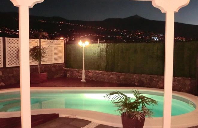 Elegante Villa mit Schwimmbad, Carport und Meerblick in la Orotava