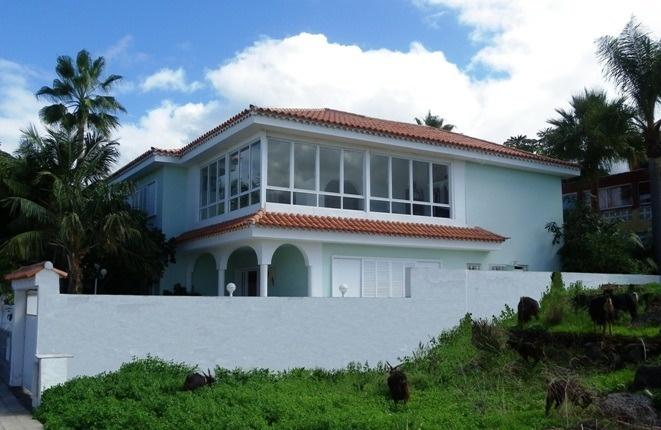 Gelegenheit: 9-Zimmer-Haus in ruhiger gut angebundener Lage bei Puerto de la Cruz