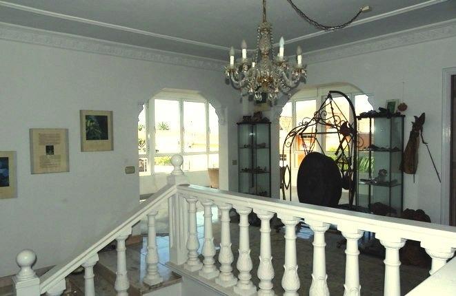 Das schöne Haus mit viel künstlerischer Gestaltung