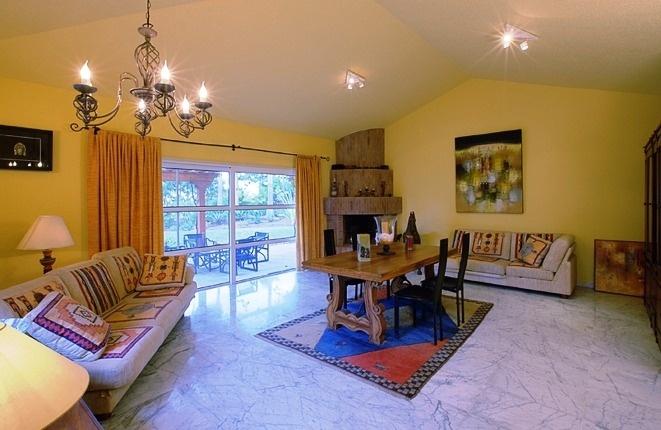 Eines der Wohnzimmer für Gäste