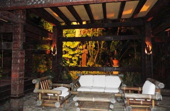 Abendstimmung im asiatischen Pavillon