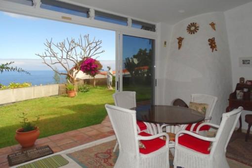 Die Veranda mit malerischem Ausblick