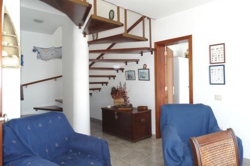 Der schöne Treppenauf-...