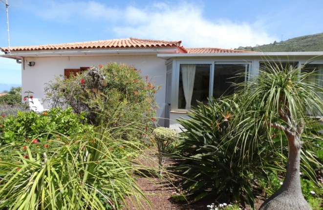Günstige Gelegenheit: Haus mit schönem Garten, Teide- und Meerblick in privater, ruhiger Lage