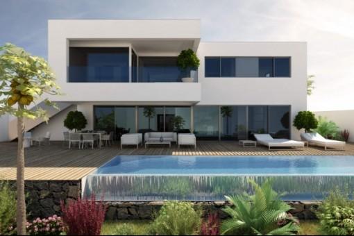Terrasse mit großem Pool und Garten