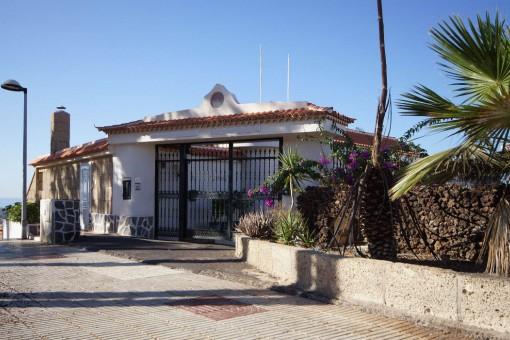 Moderne, gepflegte Villa in Eugenio Alto mit famoser Rundumsicht auf den Atlantik und die Berge