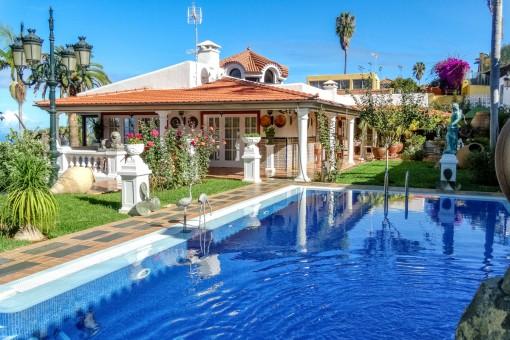 Luxusvilla in Topzustand mit großem Parkgarten, Teide- und Meerblick nahe Puerto de la Cruz