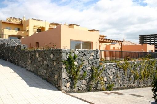 Moderne Villa mit Terrasse und Pool in Playa Paraiso