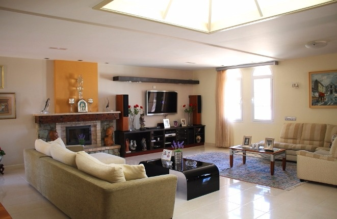 Sehr große Villa in Puerto de la Cruz mit Pool und Meerblick