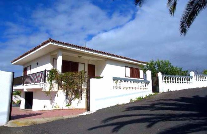 Villa in Icod de los Vinos mit schönem Meerblick