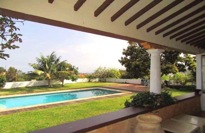 Schicke Villa mit Pool und einem herrlichen Blick auf Puerto de la Cruz und den Atlantik
