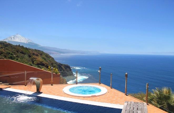 Luxus-Villa mit herrlichem Blick über den...