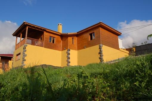 Harmonisches Holzhaus mit Panoramameerblick über das Orotavatal