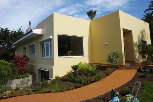Modernes ebenerdiges Haus mit Panoramablick in ruhiger Toplage
