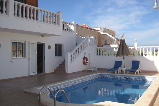 Geräumige, möblierte Villa mit Pool und tollem Blick auf die Insellandschaft