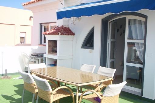 Attraktive Villa an der Costa Adeje mit Pool, schönen Terrassen und Grillplatz