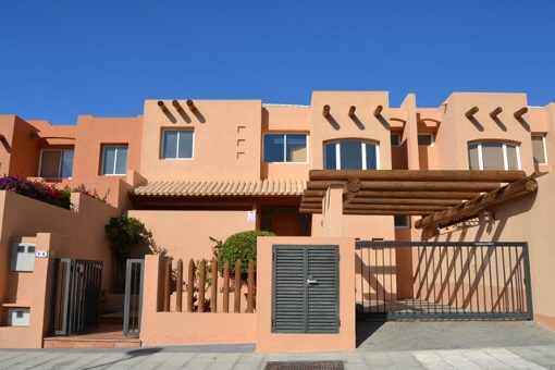 Moderne Villa mit privatem Pool, Garten und Meerblick in Golf Costa Adeje