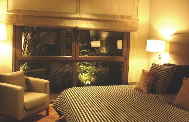 Helles und gemütliches Schlafzimmer