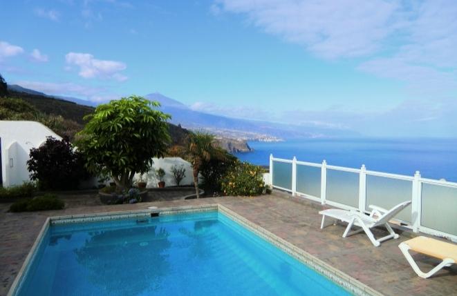 Villa mit extra Apartmenthaus, großen Terrassen, Pool und Meerblick