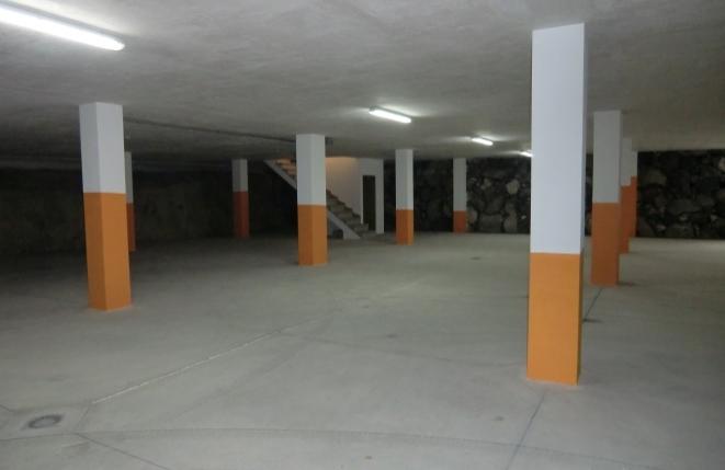 Garage mit Platz für 15 Autos
