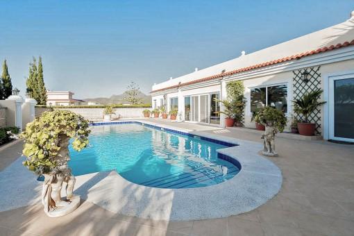 Luxuriöse Villa bei Valle San Lorenzo mit Panoramablick