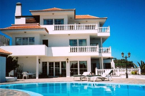 Repräsentative Villa in erster Meereslinie in Puntallana
