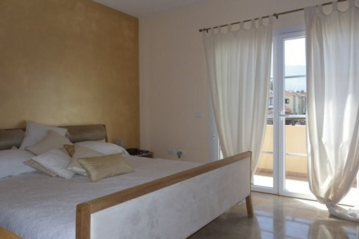 Hauptschlafzimmer mit großem Balkon zum Teide