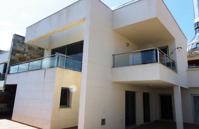 Ansprechendend proportionierter moderner Stil des Hauses