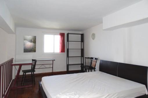 Modernes Schlafbereich im Obergeschoss