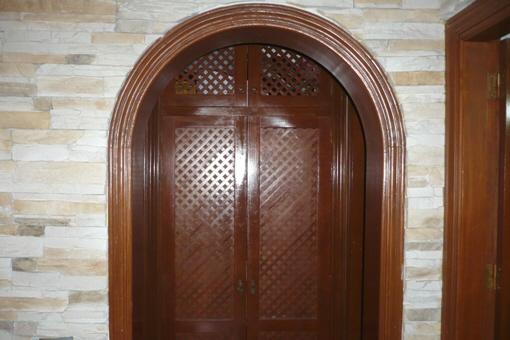 Tür zum Hauptschlafzimmer