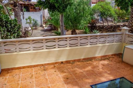 Herrliche Terrasse mit Gartenblick