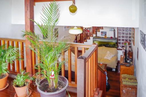 Blick von der Galerie zum Wohnbereich