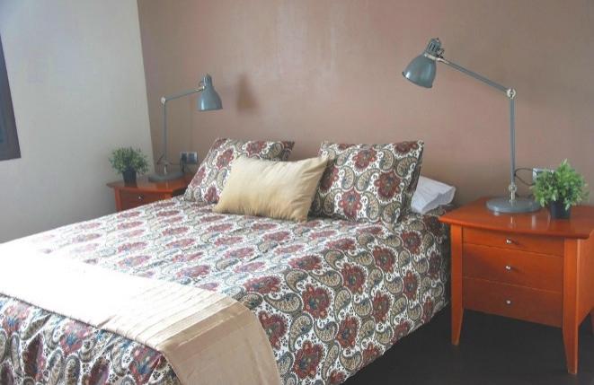 Helles und geräumiges Schlafzimmer