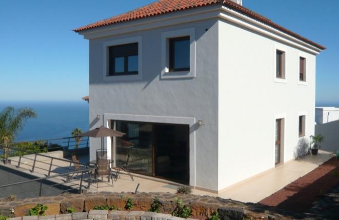 Moderne Doppelhaushälfte mit Teide- und Meerblick