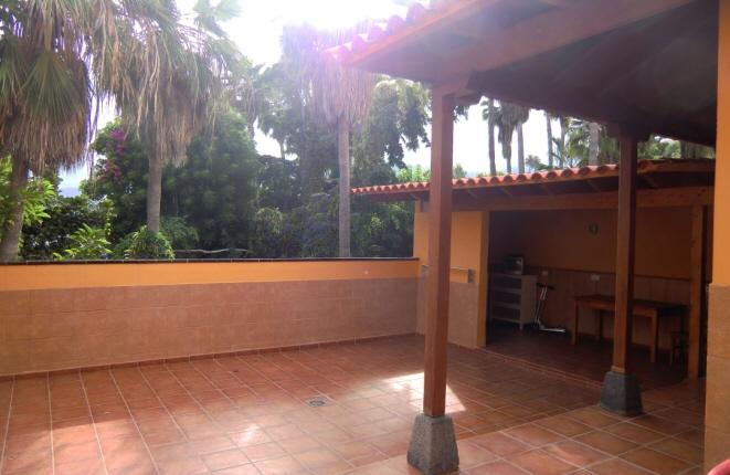 Ruhig gelegene Doppelhaushälfte mit Garten, Terrassen und Blick auf den Loro Park