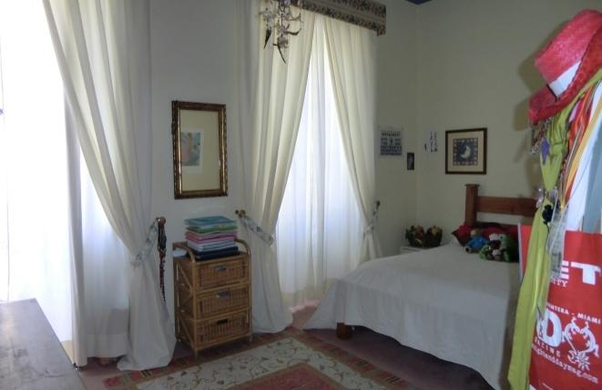Helles, schönes Schlafzimmer
