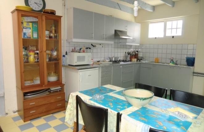 Offene Küche mit weiterem Essbereich
