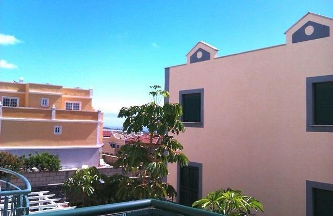 Terrasse mit Ausblick auf das Meer