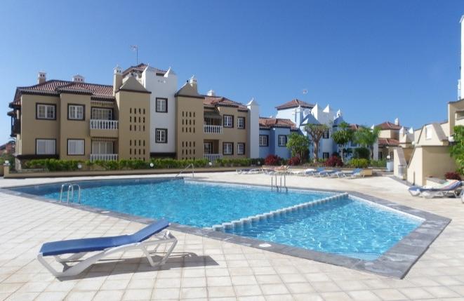 Hochwertige Wohnung mit Pool und Garage in ruhiger zentraler Lage