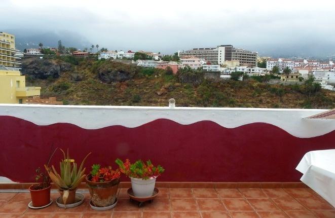 Meer- und Teideblick: Zentral gelegene 2 Zimmerwohnung mit großer Südterrasse