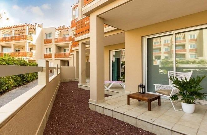 Direkt am Strand der Montaña Roja: Neue 1 bis 5 Zimmerwohnungen mit Pool und Garage