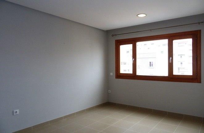 Das geräumige Wohnzimmer in ruhiger und zentraler Lage