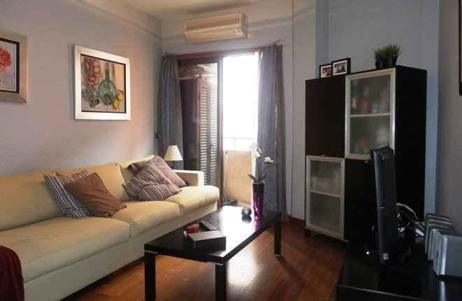 Klimaanlage und Balkon am Wohnzimmer