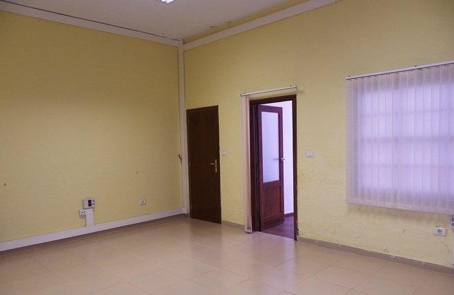 Großer Raum am zweiten Patio, mit Abstellraum oder Bad