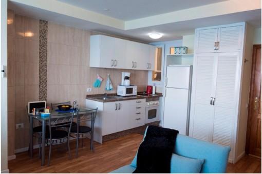 Blick zum Essbereich mit Küche