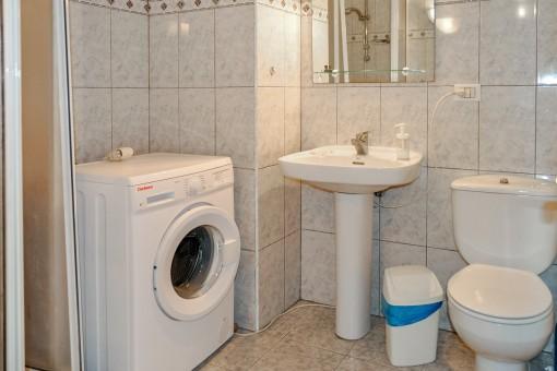 Simples Badezimmer